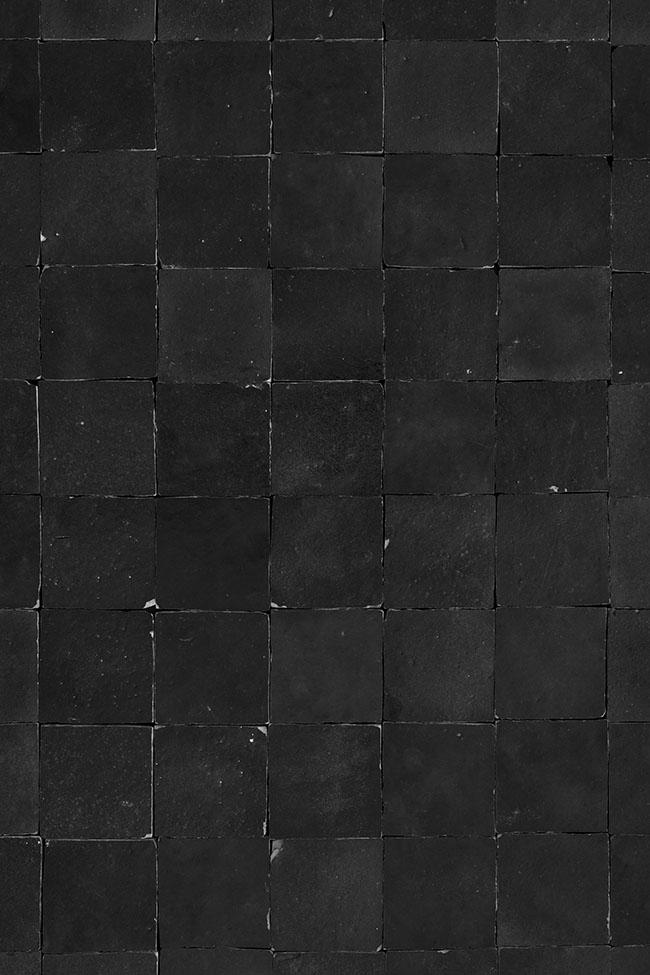 Black tiles backdrop voor food en product fotografie als flatlay of als muur