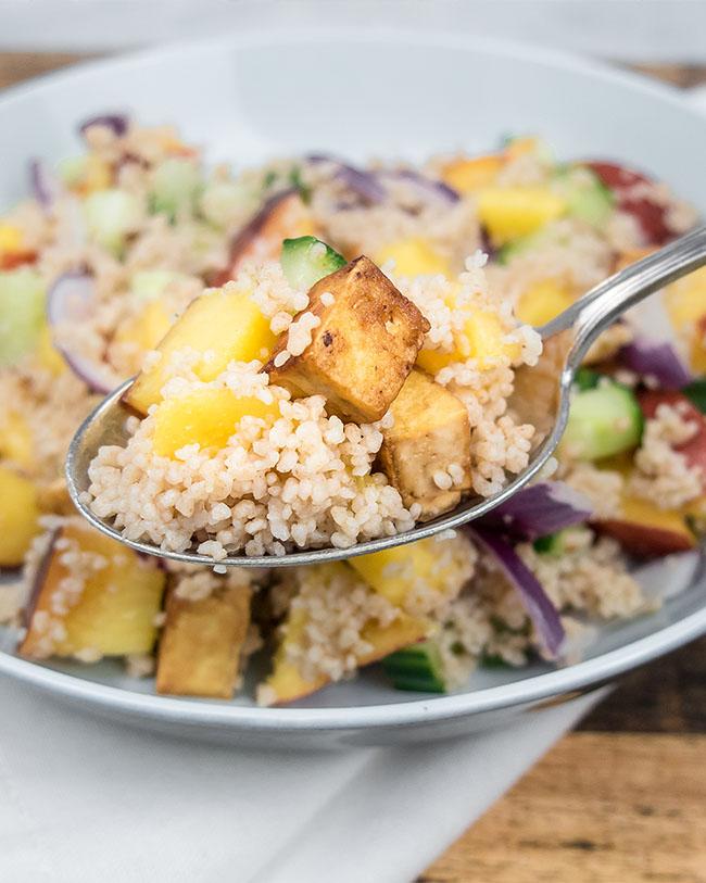 Zomer salade met nectarine en couscous